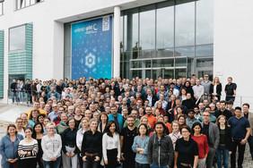 Die Mitarbeiterinnen und Mitarbeiter des Leibniz-IPHT im Herbst 2019.Foto: Sven Döring